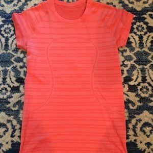 Lululemon swiftly short sleeve, size 10